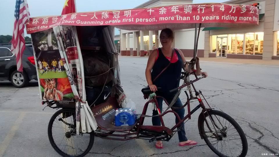 中国钢铁侠迷倒一路美女帅哥_图1-4